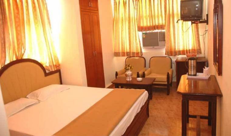 Hotel Harjas Palace - Get cheap hostel rates and check availability in New Delhi 10 photos